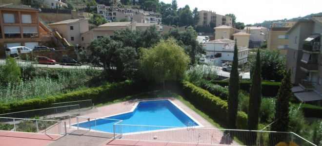 Ref. 6470. SELL.  Bright and spacious apartment near the beach in Tossa